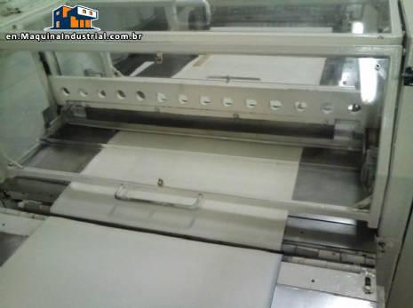 Automatic horizontal knife guillotine
